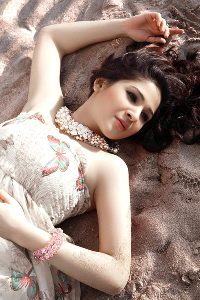 Beautiful Ayesha Omer