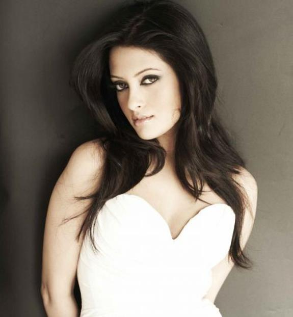 Beautiful Riya Sen