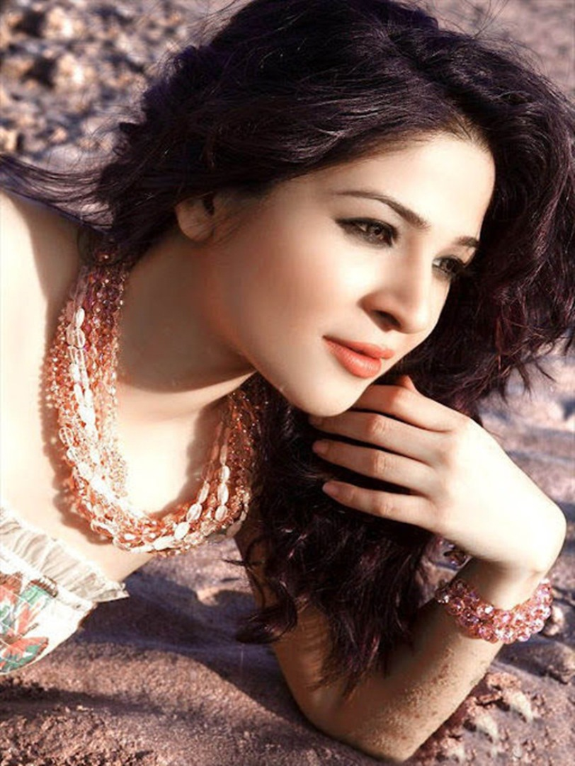 Pic of Ayesha Omer