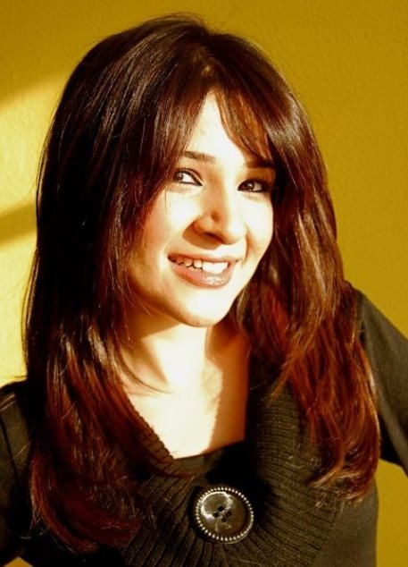 Profile and Beautiful Pictures of Pakistani Model and Actress Ayesha Omer