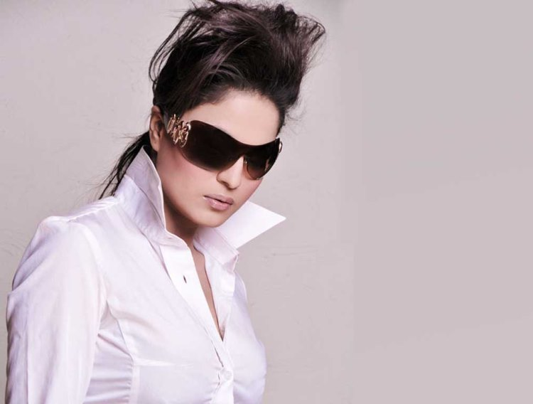 Wallpapers of Veena Malik