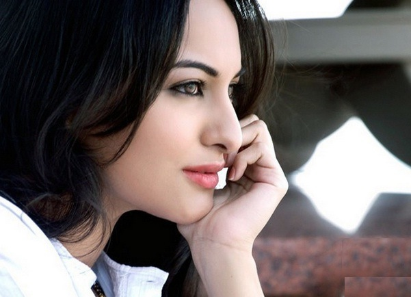 Beautiful Pictures of Sonakshi Sinha