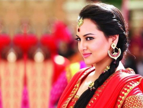 Hot Sanakshi Sinha