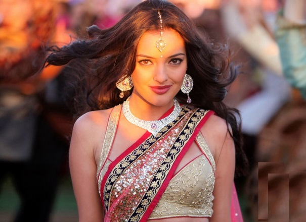 Sexy Sonakshi Sinha