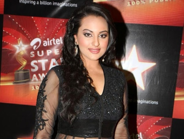 Sonakshi Sinha Wallpapers for Windows 7